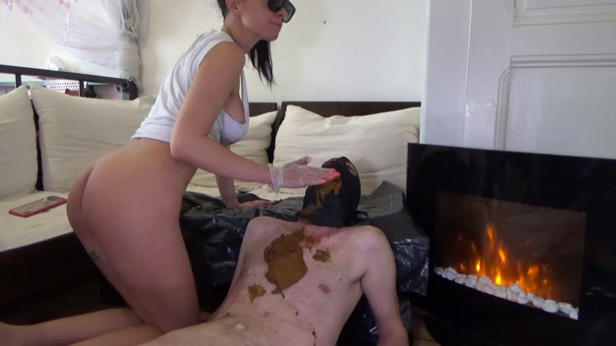Poop on slave after morning coffee - Lila  (2020 | FullHD)