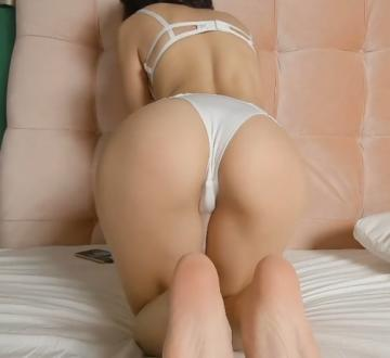 Transparent Huge Dildo Brings Cute Girl to Orgasm (2021) 1080p