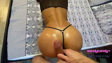 Жесткий секс со сладкой студенткой в масле (2021) 720p